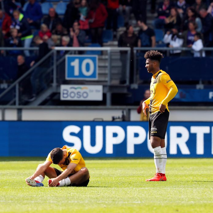 El Allouchi en Palmer-Brown na de nederlaag tegen Heerenveen