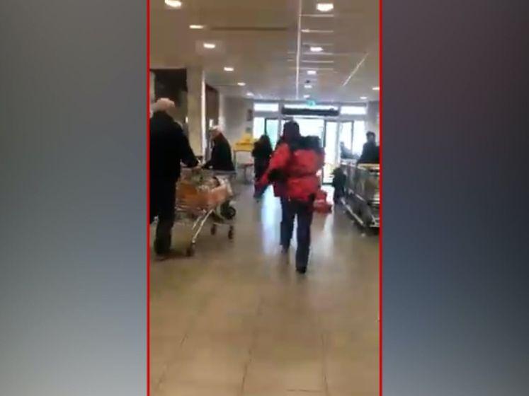 Enschedeër zwaait met mes in druk Winkelcentrum Zuid