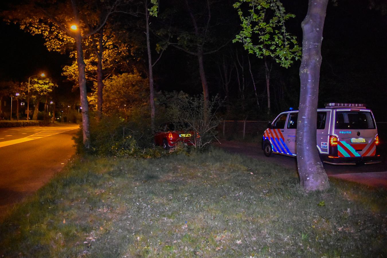 De gecrashte auto in Nijmegen.