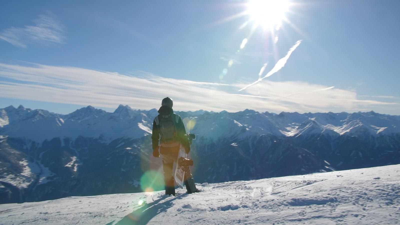 Stills uit de eerste beelden voor de film 'Als skiën dansen wordt' van Carel van Goch uit Deurne