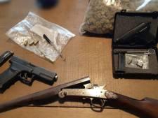 Meerdere partijen hard- en softdrugs, wapens en een hennepdrogerij aangetroffen in Vaartbroekse woning