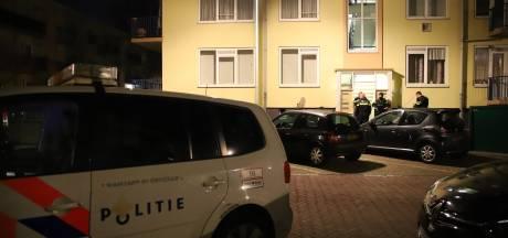 Politie treft gewonde bewoner aan na melding woningoverval