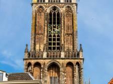 Speciaal voor Jan van Zanen: 'Oh Oh Den Haag' op de Domtoren en 'Utereg Me Stadsie' op de Scheveningse Oude Kerk