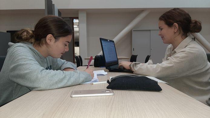 Leerlingen van SG Tongerlo in Roosendaal volgens extra lessen op de herfstschool.