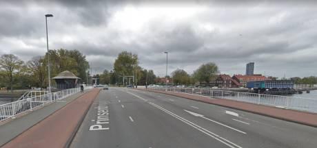 Opgelet: omleidingen door plaatsen nieuwe stoplichten Prinsenbrug
