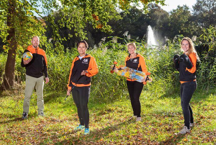 De beweegcoaches van Delft voor Elkaar!, met uiterst rechts Ivy Kahlmann