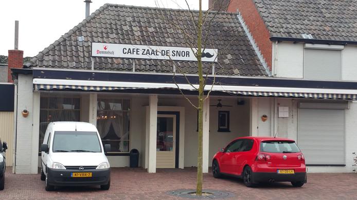 Café De Snor sluit na 32 jaar de deuren.