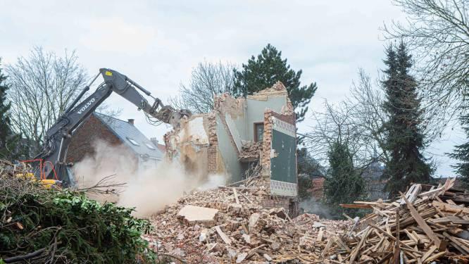 """Villa Alice is niet meer, afbraakfirma maakt charmant kasteeltje met de grond gelijk: """"Gemeente had dit kunnen tegenhouden"""""""