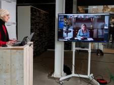Máxima luistert hoe Tilburg mensen met schulden helpt: 'Problemen beginnen vaak zo klein'