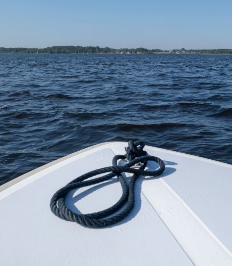Tips gevraagd: politie speurt naar patserboten op Veerse Meer