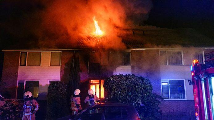 De woning van het echtpaar raakte zo zwaar beschadigd dat het moest worden afgebroken.