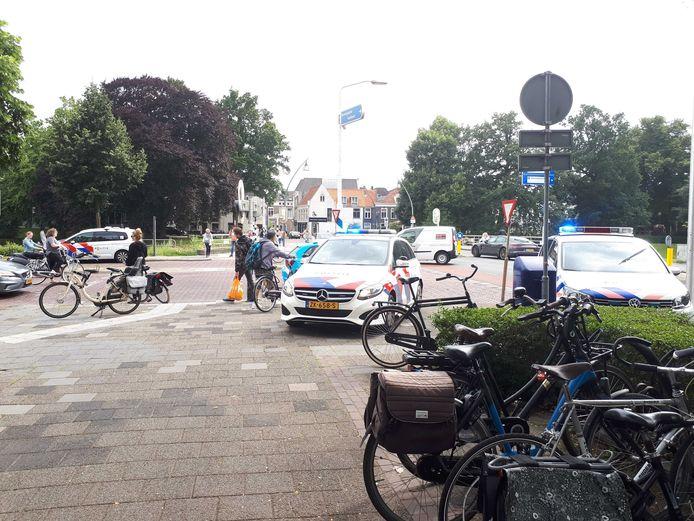 De opgeroepen politieagenten hebben de verdachte afgevoerd.
