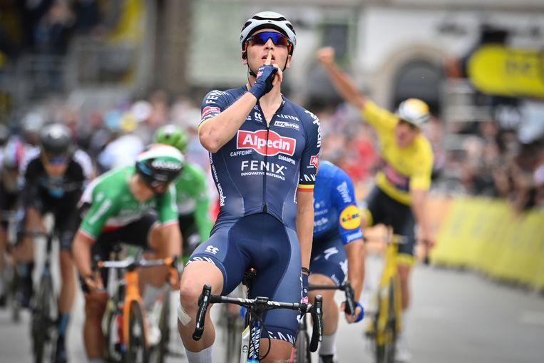 Tim Merlier wint zijn eerste Tour-rit ooit. Beeld BELGA