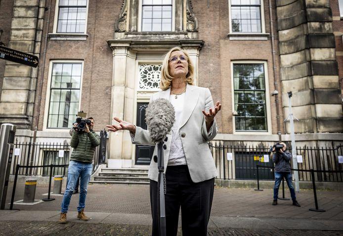 Gisteren sprak fractievoorzitter Sigrid Kaag (D66) de pers toe na afloop van een gesprek in het Logement met informateur Johan Remkes, Wopke Hoekstra (CDA) en Mark Rutte (VVD).