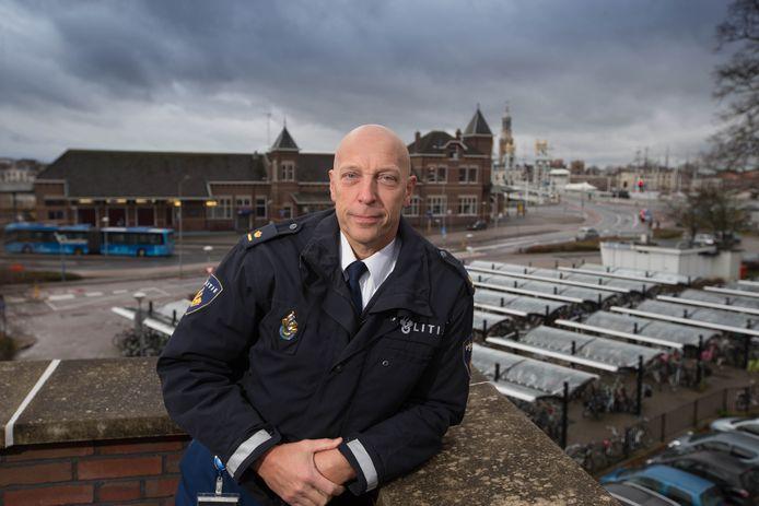Archiefbeeld: Politiechef IJsselland Johan Ekkel in Kampen.