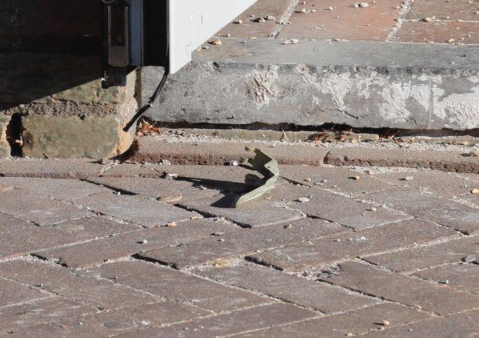 Onderdeel van een handgranaat dat werd gevonden aan de Leenderweg.