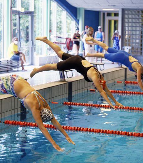 Raad Almelo tikt wethouder Maathuis op de vingers: 'Het nieuwe zwembad moet 60 centimeter breder'