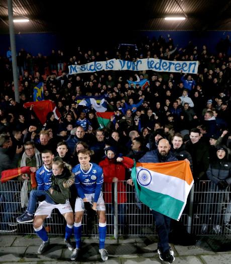 Supportersbus FC Den Bosch gestopt onderweg naar NAC na tip over 'flink coke snuiven', fans woedend op politie