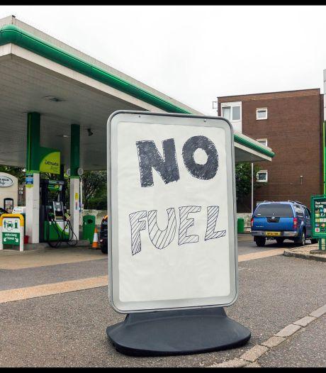 """Royaume-Uni: des """"achats de panique"""" à l'origine des pénuries de carburant?"""