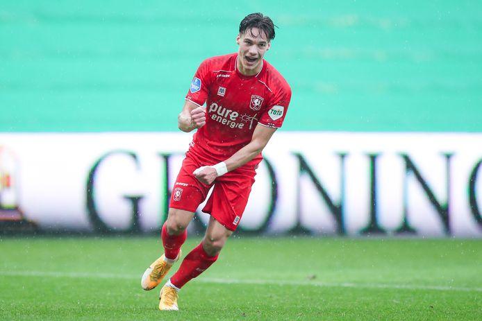 Thijs van Leeuwen scoorde vanuit de omschakeling voor FC Twente.
