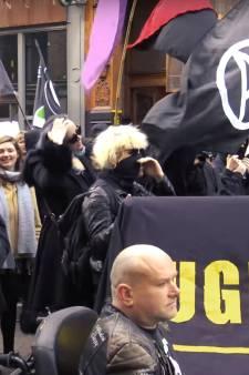 Vrouw (21) aangehouden voor bedreigen Baudet tijdens betoging