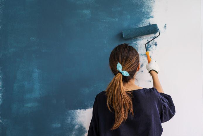 Een muur verven is nog niet gemakkelijk.