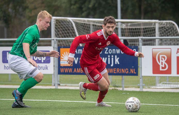 Tolunay Durmur kon naar Otterlo of een club in Wageningen maar koos voor een terugkeer bij FC Jeugd.