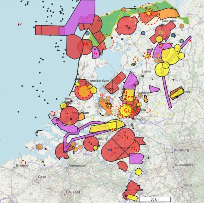 Deze kaart laat de Nederlands vlieggebieden voor drones zien.