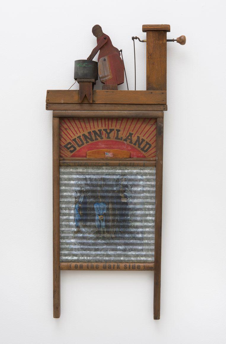 Betye Saar, Sunny Land, 1998. Beeld Museum Hedendaagse Kunst De Domijnen / Robert Wedemeyer