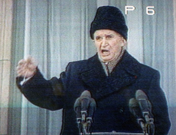 Op 21 december 1989 werd de dictator tijdens een toespraak in Boekarest uitgejouwd.