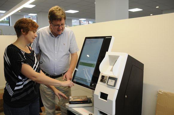 Voor het inleveren, uitlenen en betalingen worden de zelfscanbalies op de gebruikelijke manier ter beschikking gesteld.