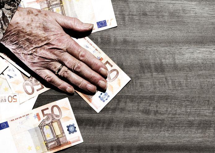 2 op 3 Belgen vrezen geen deftig pensioen te krijgen: Via deze fiscaal interessante methodes zet je geld opzij voor later