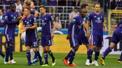 OEFEN. Twee gemiste penalty's én een rood karton: Lukaku en Coucke laten zich horen in nipte zege Anderlecht - Genk verwent fans