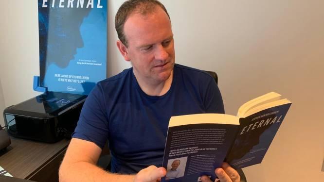 """Steven Van Belleghem (44) schrijft thrillerdebuut: """"De wereld die ik in 2041 beschrijf zou tegen dan wel eens echt kunnen zijn"""""""