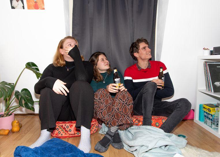 Esther, Valentina en Chris. Beeld Lin Woldendorp