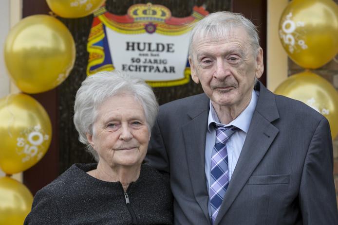 Kees en Ria Vissers uit Kerkdriel zijn vijftig jaar getrouwd.