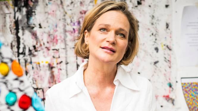"""Prinses Delphine ontwerpt het Pink Ribbon-lintje van dit jaar: """"Het staat symbool voor een liefdeslijn"""""""