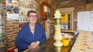 """Cafébazin Nelly staat 30 jaar achter tapkraan van Schettenberg: """"En ik ben nog niet van plan om te stoppen"""""""