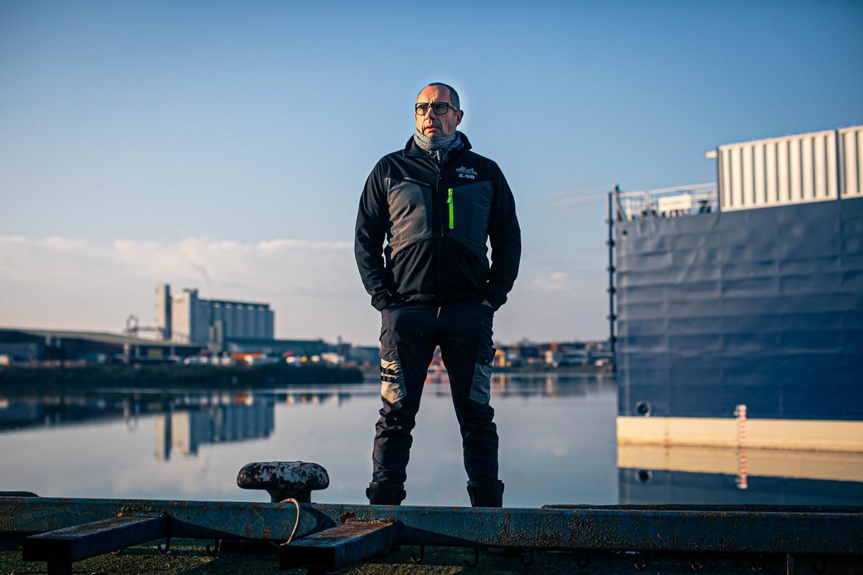 Visser Geert De Groote in Zeebrugge, de thuishaven van zijn boot Op hoop van zegen. Beeld Bas Bogaerts