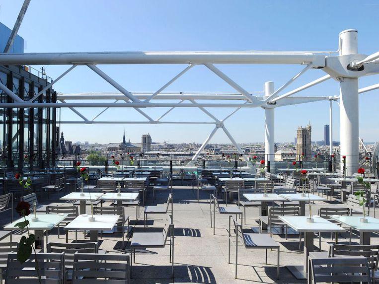 Café Georges op het Centre Pompidou. Beeld RV