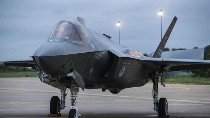 De Joint Strike Fighter (JSF of F-35) na de landing op Vliegbasis Leeuwarden.