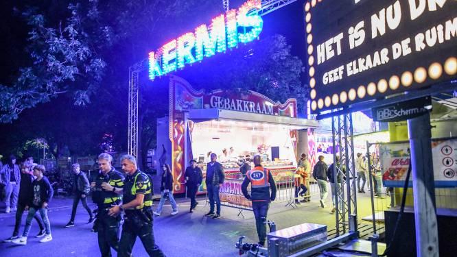 Politie neemt messen in die als prijs werden aangeboden op kermis Zaandam