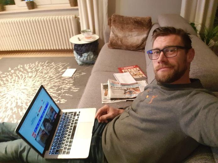 Onze reporter Sven Spoormakers moet twee weken in quarantaine blijven.