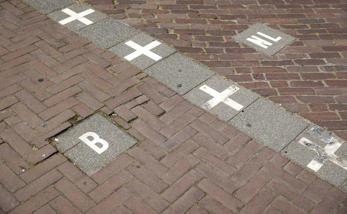 De grenslijn in Baarle-Hertog.