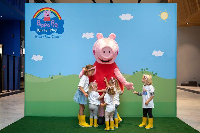 Peppa Pig in Leidschendam, waar een binnenspeeltuin wordt gebouwd om de verhalen van het wereldberoemde varken.