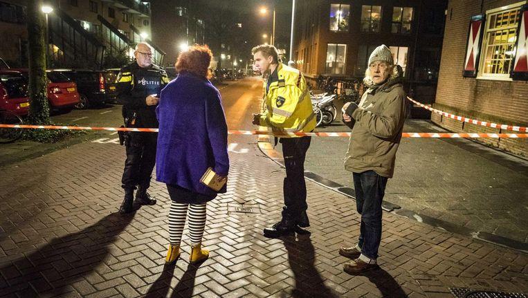 De omgeving van de Grote Wittenburgerstraat was vrijdagavond afgezet Beeld anp