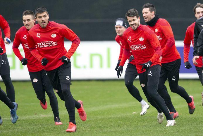 PSV trainde woensdagmorgen 'open' voor de pers in aanloop naar Ajax-uit.