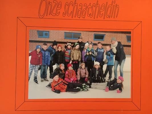 Carlijn Achtereekte uit Lettele was op haar basisschool Sancta Maria al de snelste met schaatsen. De olympische kampioen gaf de huidige groep acht schaatsles. Dat gaan ze nooit meer vergeten.