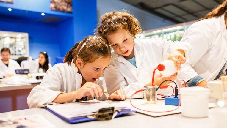 Het hele weekend kunnen kinderen op onderzoek uit. Beeld WvdW