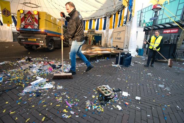 Opgeruimd Staat Netjes : Opgeruimd staat netjes ook op het ossenkoppenplein foto bd.nl